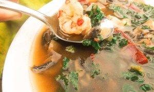 Sopa de Hongos con Camarones