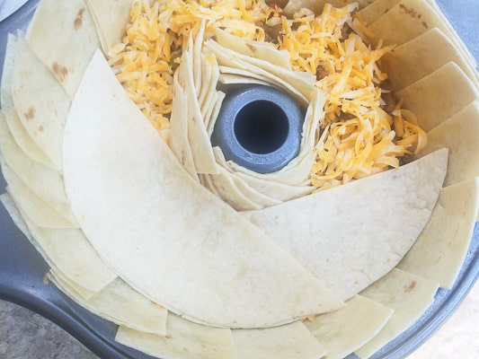 Taco ring preparation.